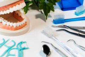 デンタルフロス 歯間
